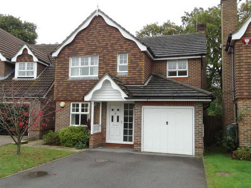 4 Bedrooms Detached House for rent in The Oaks, Burgess Hill