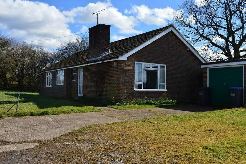 3 Bedrooms Detached Bungalow for rent in Petwood, New House Farm, Twineham Lane, Twineham RH17