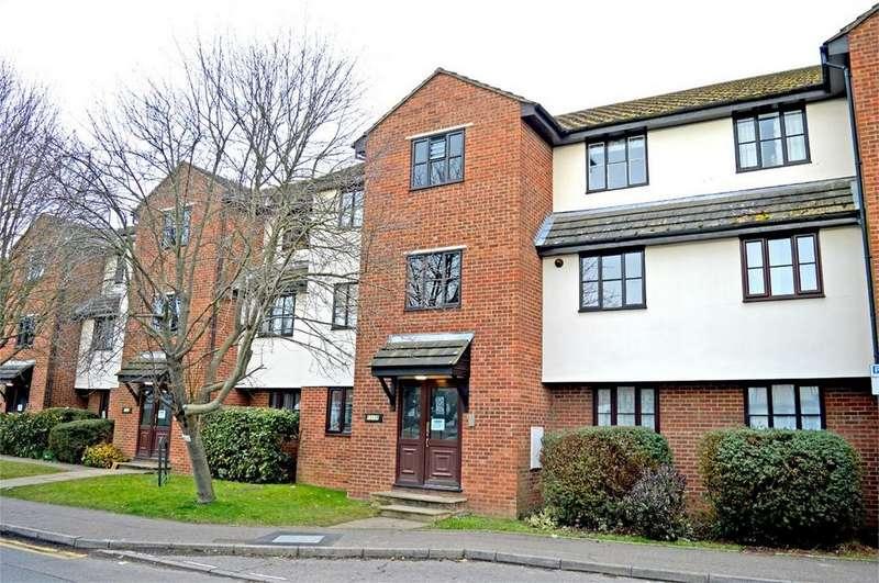 1 Bedroom Flat for sale in 17 Rushes Court, Bishop's Stortford