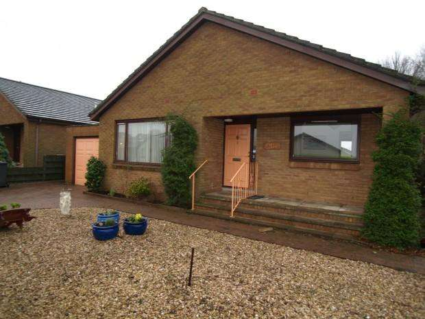 3 Bedrooms Bungalow for rent in Carlingnose Park, North Queensferry, KY11