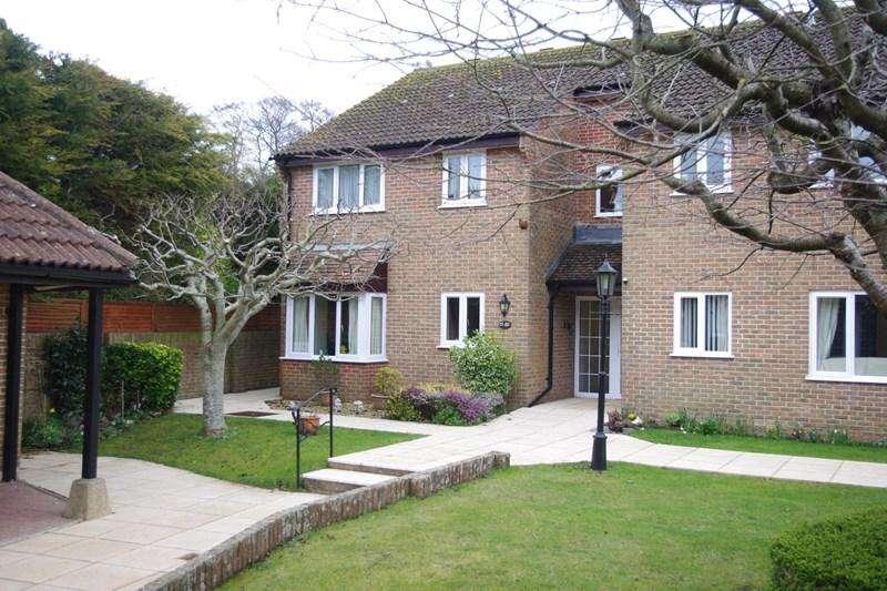 2 Bedrooms Flat for sale in Meadow Court, Bridport
