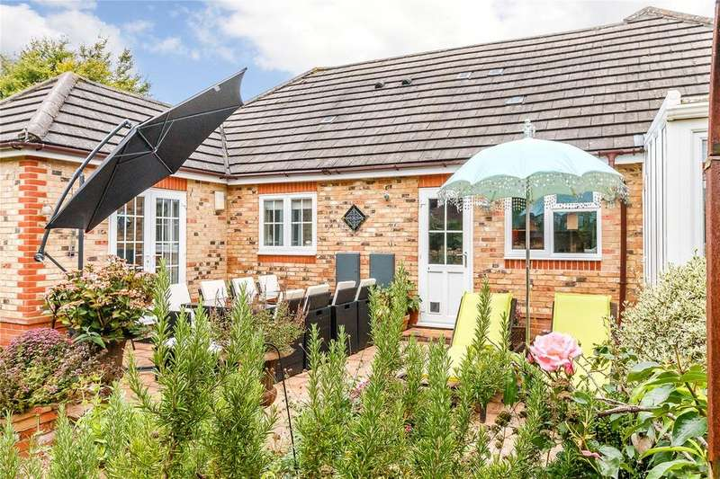 4 Bedrooms Detached Bungalow for rent in Stevens Lane, Rotherfield Peppard, Henley-on-Thames, Oxfordshire, RG9