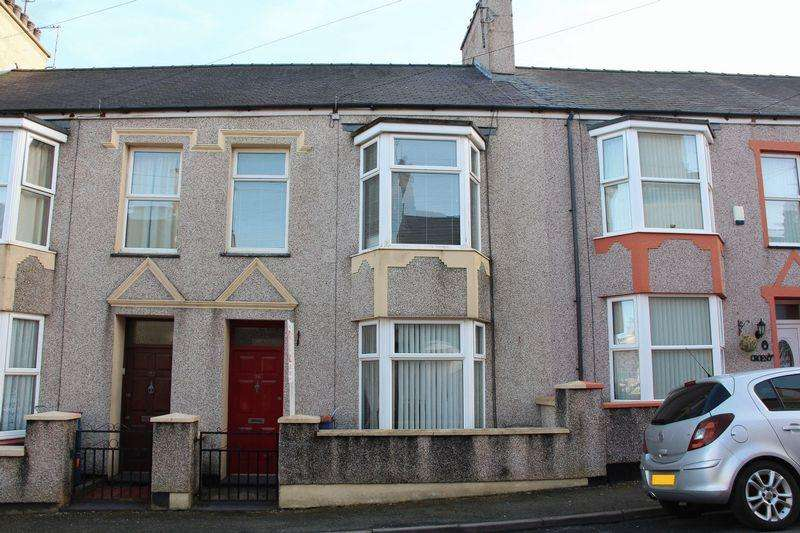 2 Bedrooms Terraced House for sale in Moreton Road, Holyhead