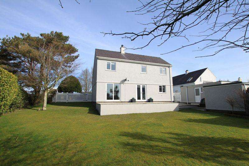 4 Bedrooms Detached House for sale in Llansadwrn, Menai Bridge, Anglesey