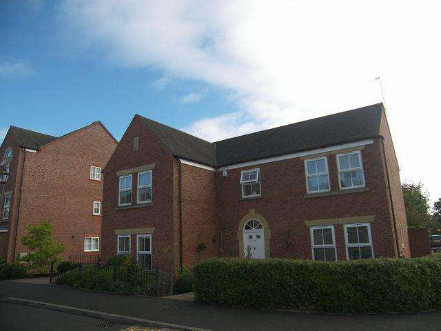 5 Bedrooms Detached House for rent in Three Acres Lane, Dickens Heath, Solihull, B90