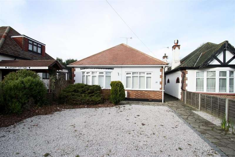 3 Bedrooms Detached Bungalow for rent in Blenheim Chase, Leigh-On-Sea