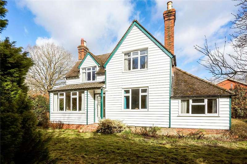 4 Bedrooms Detached House for sale in Coppice Lane, Reigate, Surrey, RH2