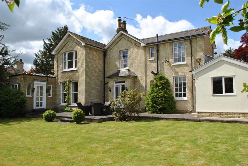 5 Bedrooms Detached House for rent in The Green, Royston