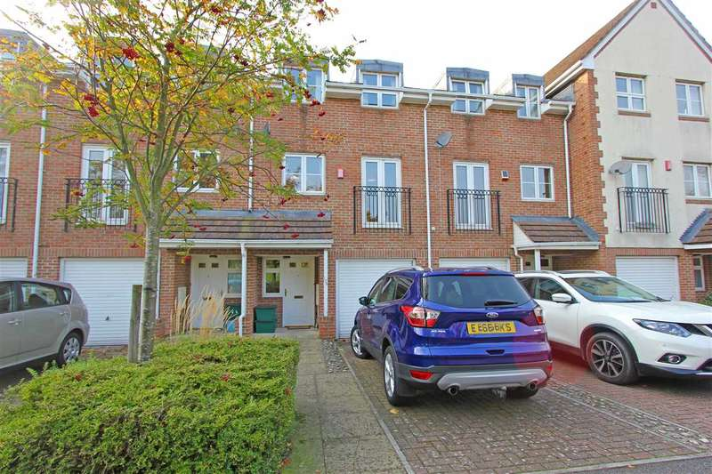 3 Bedrooms Terraced House for sale in Old School Place, Croydon