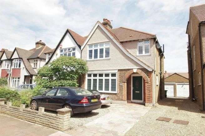 3 Bedrooms Semi Detached House for sale in Eden Park Avenue, Beckenham, BR3 3HJ