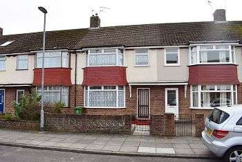 3 Bedrooms House for sale in Kinross Crescent, Drayton, Portsmouth, PO6 2NS