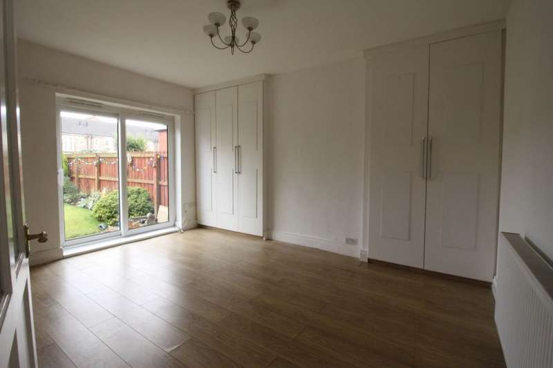 2 Bedrooms Flat for sale in Lynn Road, Wallsend, NE28