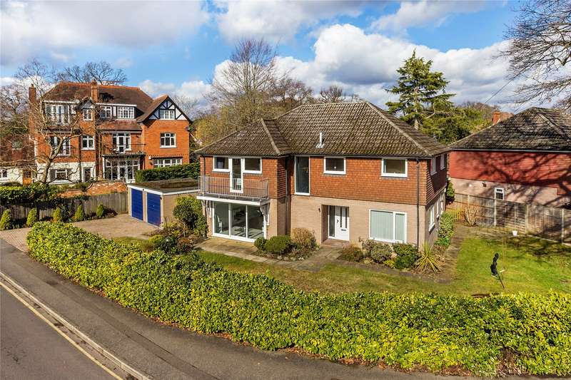 4 Bedrooms Detached House for sale in Park Road, Woking, Surrey, GU22