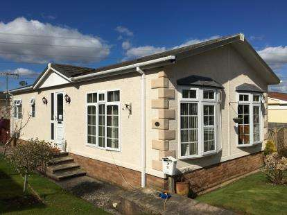 2 Bedrooms Mobile Home for sale in Edginswell Lane, Torquay, Devon