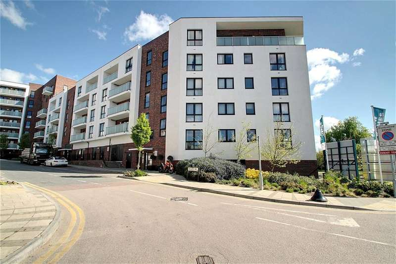 2 Bedrooms Flat for sale in Williams Way, Wembley, Middlesex, HA0 2FP