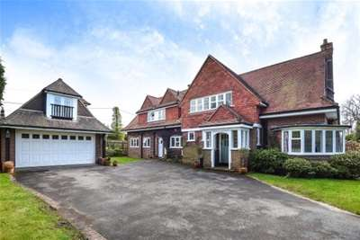 5 Bedrooms Property for rent in Barnes Lane, Milford On Sea