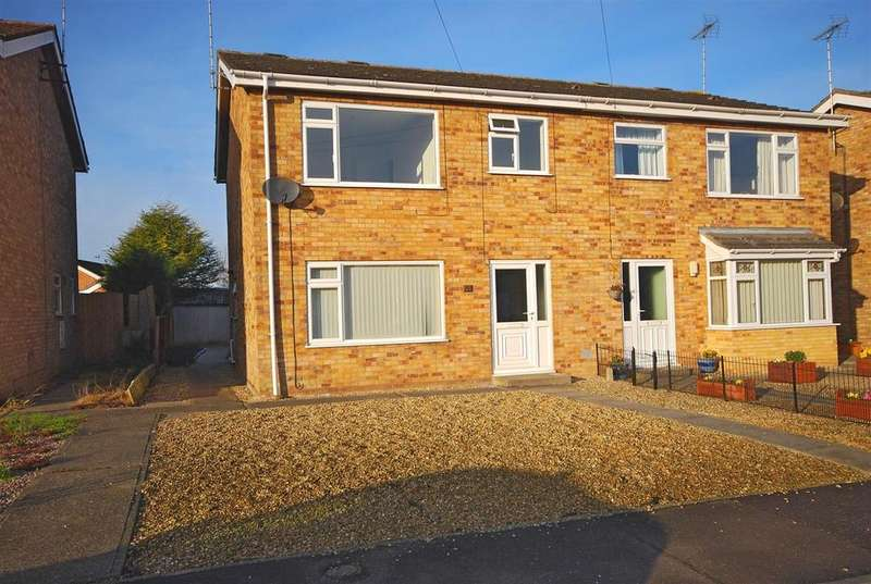 3 Bedrooms Semi Detached House for sale in Willders Garth, Holbeach, Spalding