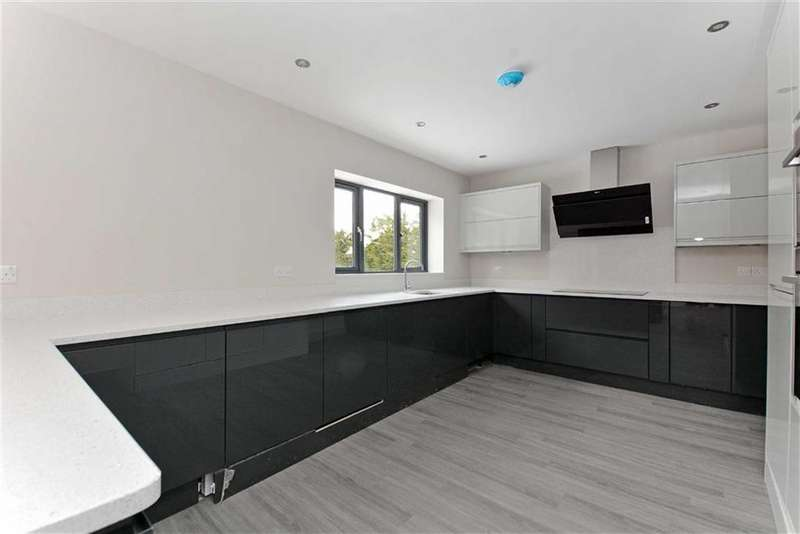 4 Bedrooms Detached House for sale in Webbs Avenue, Sheffield, Yorkshire