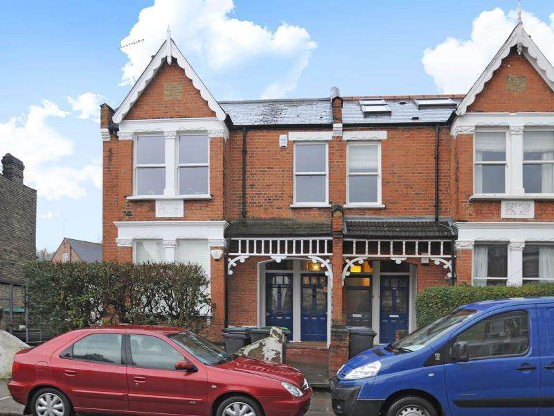 3 Bedrooms Flat for sale in Crescent Road, London N22