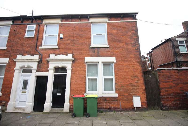 5 Bedrooms End Of Terrace House for sale in Norris Street, Preston