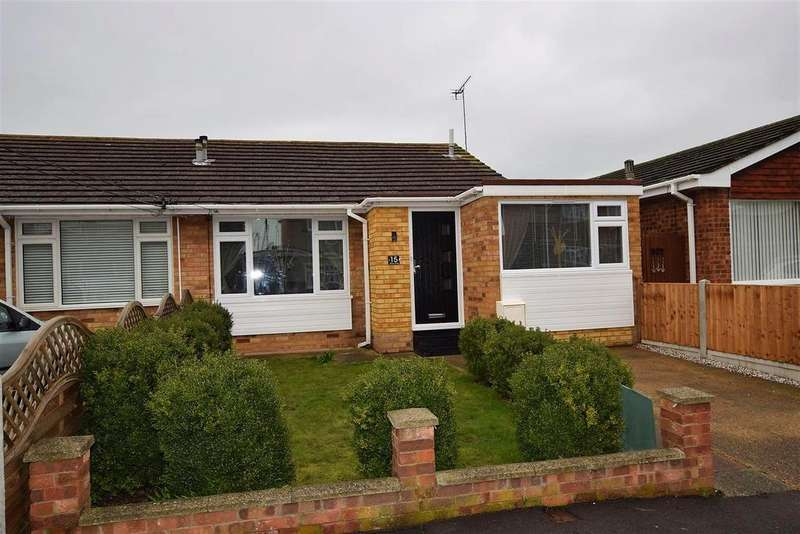 2 Bedrooms Semi Detached Bungalow for sale in Delfzul Road, Canvey Island