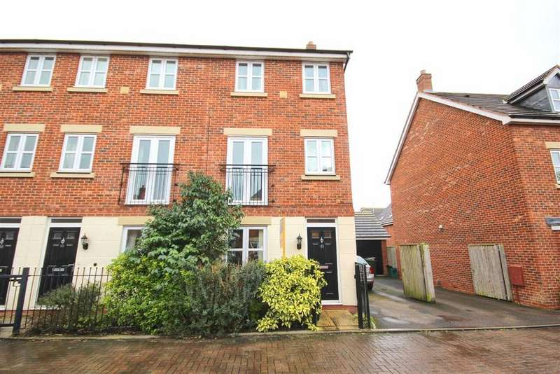 3 Bedrooms Town House for sale in Persimmon Gardens, Hayden, Cheltenham, GL51