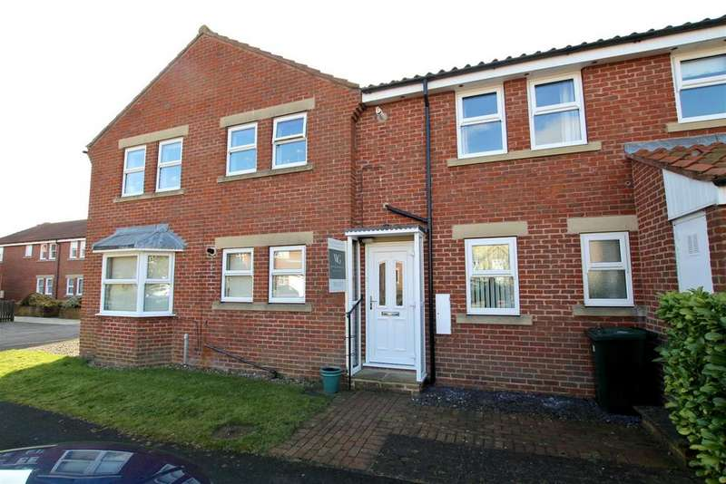 2 Bedrooms Apartment Flat for rent in Bells Court, Helmsley, York