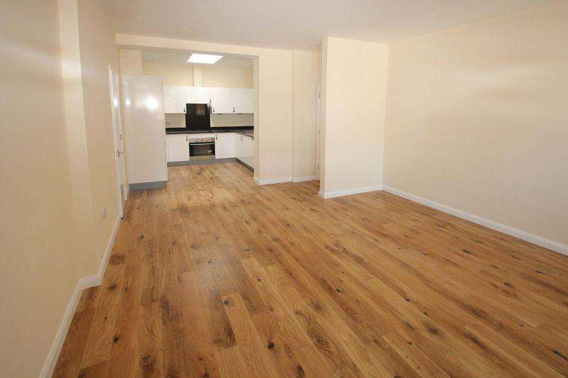 2 Bedrooms Apartment Flat for sale in Apartment 14, Croft House, East Street, Tonbridge