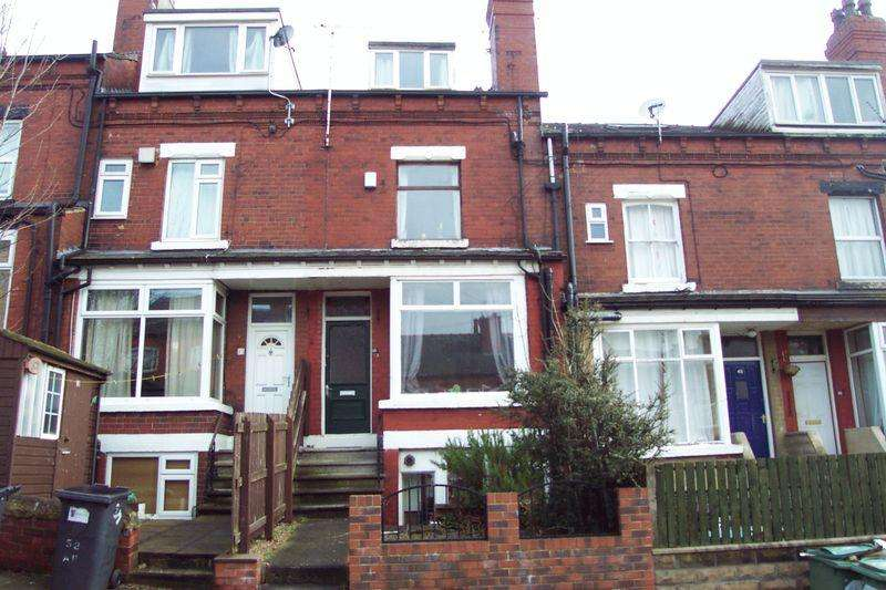 2 Bedrooms Terraced House for sale in Adwick Place, Leeds