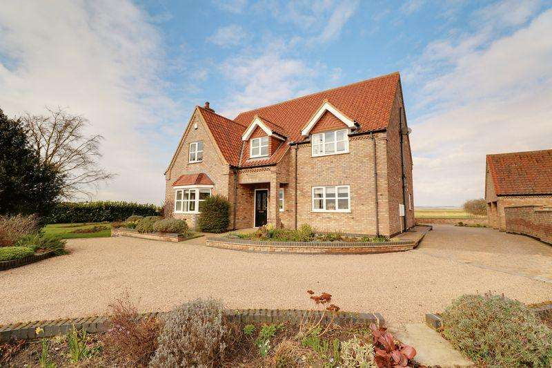 4 Bedrooms Detached House for sale in Sluice Road, South Ferriby