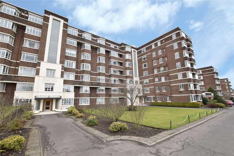 3 Bedrooms Apartment Flat for sale in Top Floor, Kelvin Court, Anniesland, Glasgow