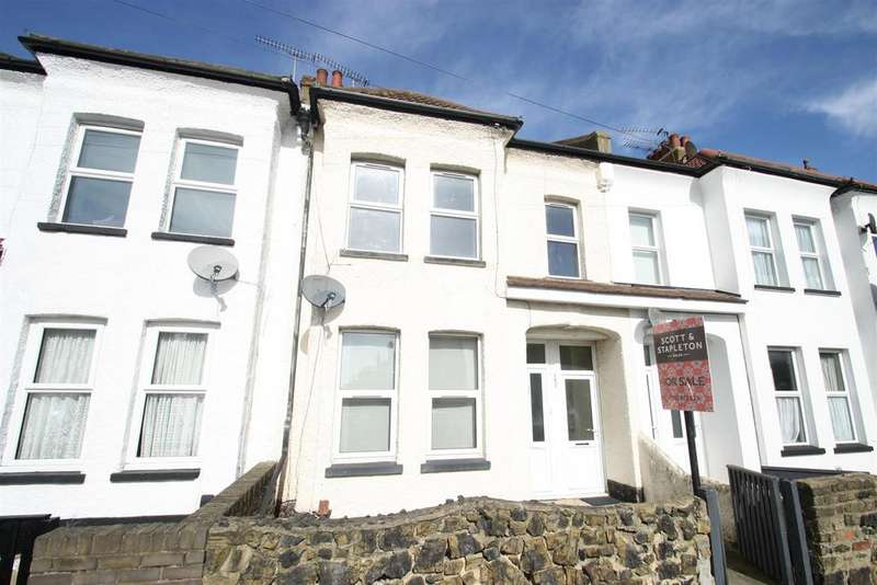 3 Bedrooms Flat for sale in Stornoway Road, Southend-On-Sea