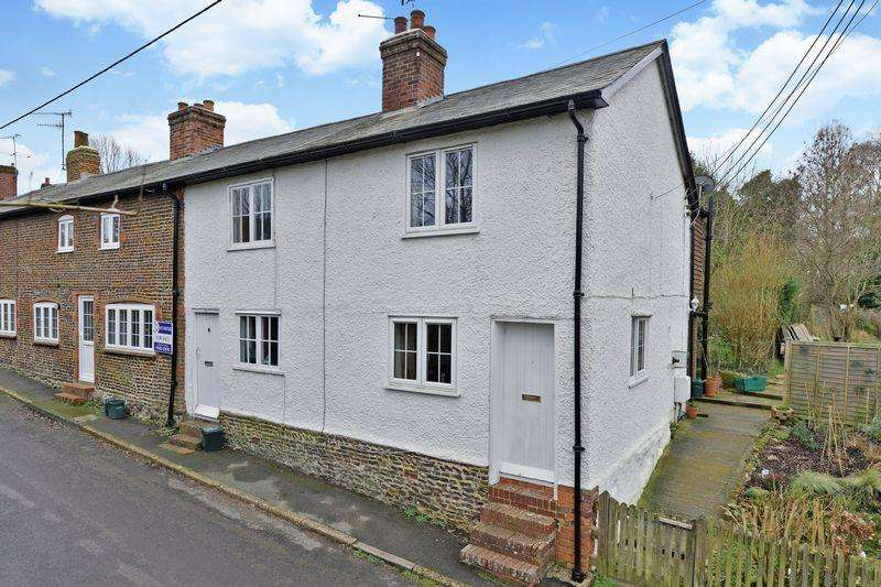 2 Bedrooms Terraced House for rent in Surrey, GU8