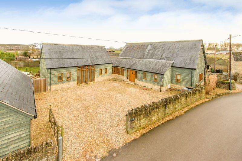 5 Bedrooms Detached House for sale in Weald Street, Bampton