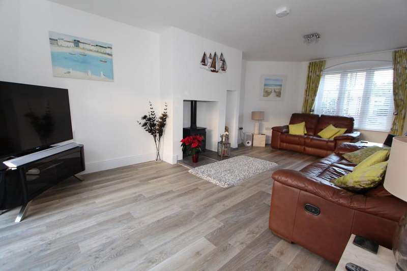 3 Bedrooms Town House for sale in Superb home in Ubley