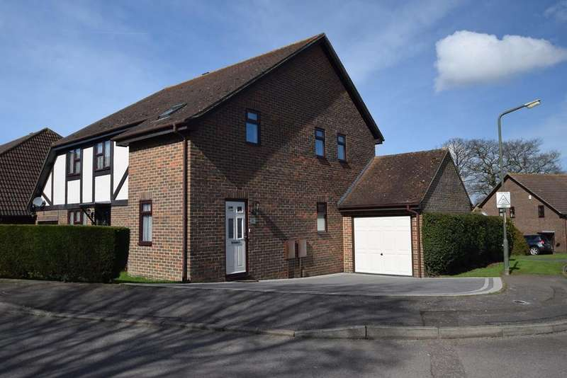3 Bedrooms Semi Detached House for sale in Mayford Road, Chatham, ME5