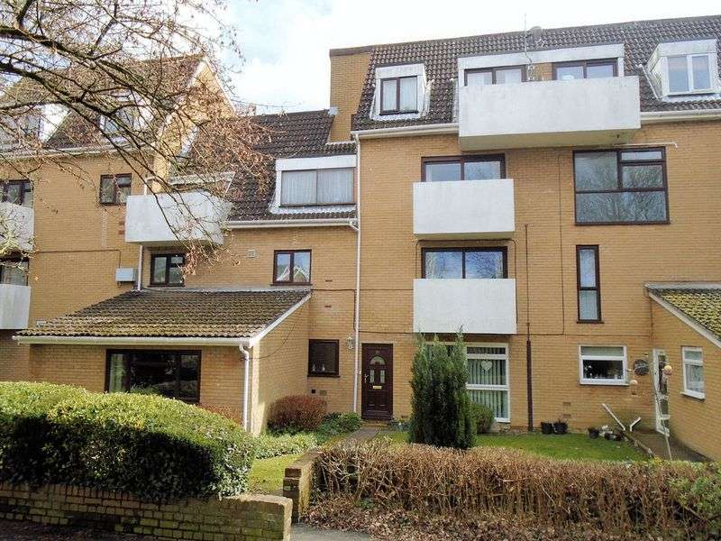 3 Bedrooms Property for sale in Freshwater House, Frogmore, Fareham