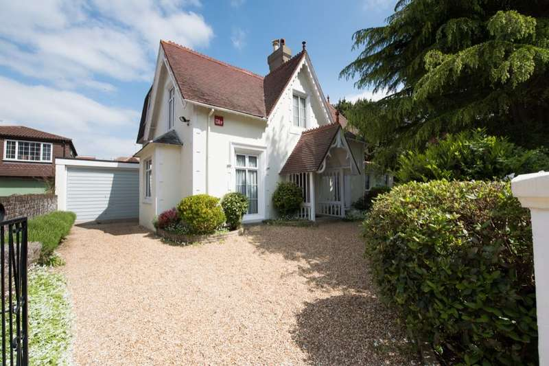 5 Bedrooms Detached House for sale in Auckland Road East, Southsea, PO5