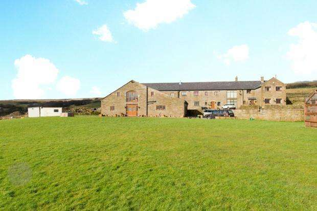 5 Bedrooms Barn Conversion Character Property for rent in Hampsons Farm, Coal Pit Lane, Smithills, Bolton, BL1