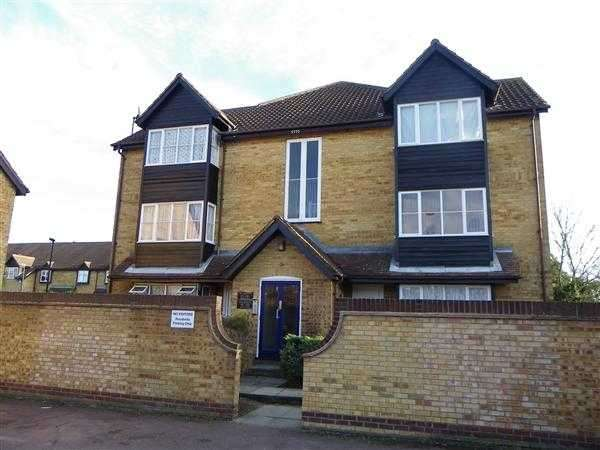 Studio Flat for sale in Knights Manor Way, dartford