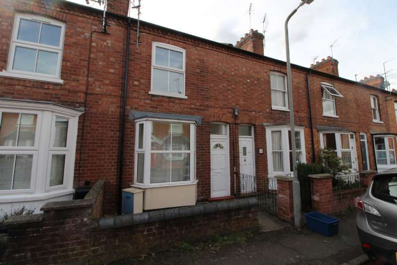 2 Bedrooms Terraced House for sale in Bury Avenue, Newport Pagnell, Buckinghamshire