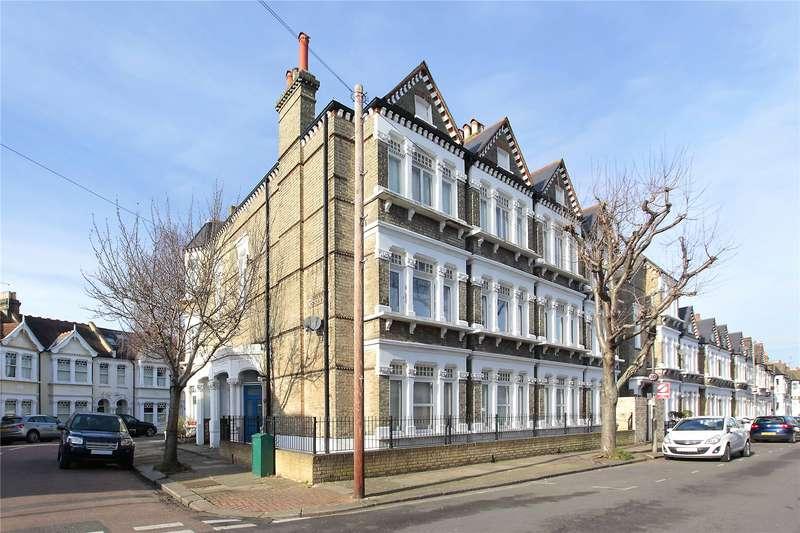 3 Bedrooms Maisonette Flat for sale in Longbeach Road, Battersea, London, SW11
