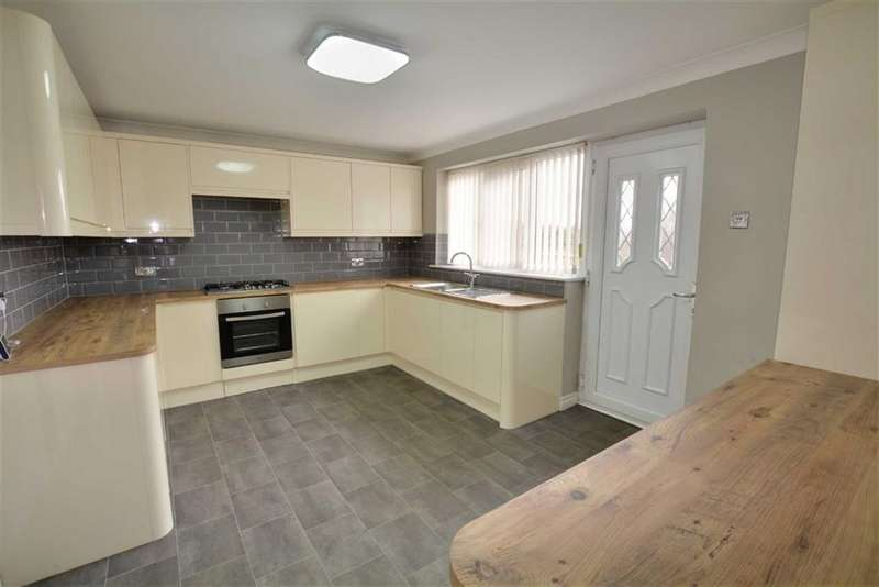 5 Bedrooms Property for sale in Lindale Avenue, Low Ackworth, Pontefract, WF7