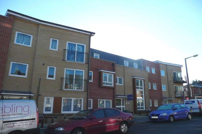 6 Bedrooms Flat for rent in Portswood Road, Southampton, SO17