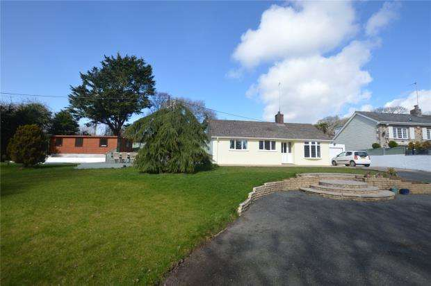 3 Bedrooms Detached Bungalow for sale in Nantithet, Cury, Helston, Cornwall