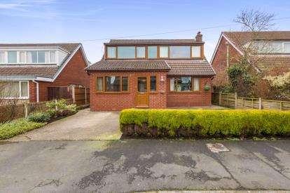 4 Bedrooms Detached House for sale in Fox Lane, Hoghton, Preston, PR5