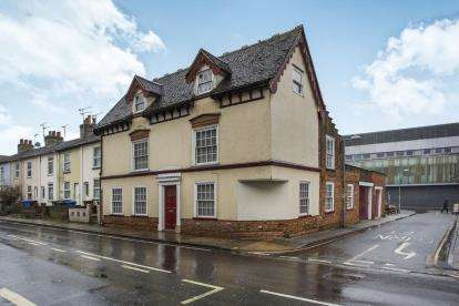 5 Bedrooms Detached House for sale in Ipswich, Suffolk