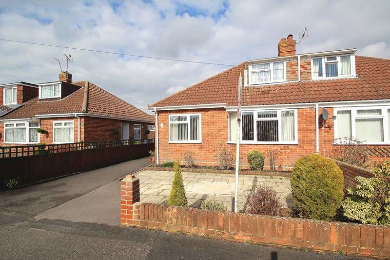3 Bedrooms Semi Detached Bungalow for sale in Bradly Road, Fareham