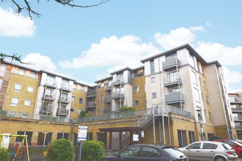 2 Bedrooms Apartment Flat for sale in Brand House, Coombe Way, Farnborough, Hampshire, GU14