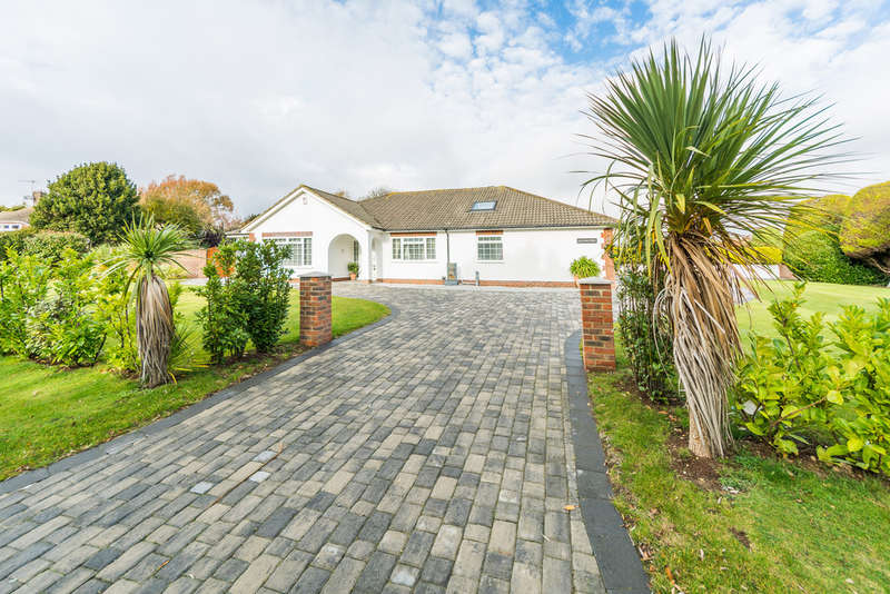 3 Bedrooms Detached House for sale in Kithurst Close, East Preston